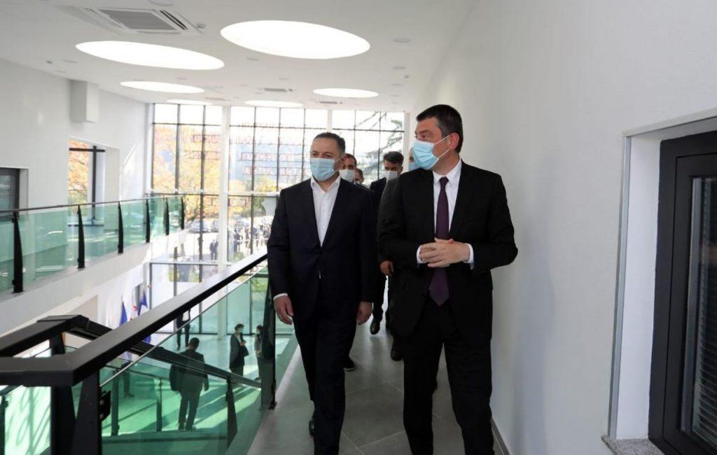 Վարչապետը և ներքին գործերի նախարարը Ծալենջիխայում բացել են ոստիկանության նոր շենքը