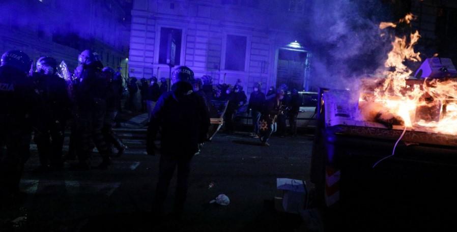 რომში პოლიციასა და კორონავირუსის გამო დაწესებული შეზღუდვების მოწინააღმდეგეებს შორის დაპირისპირება მოხდა