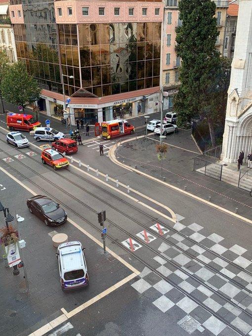 საფრანგეთის ქალაქ ნიცაში დანით შეიარაღებულმა მამაკაცმა ერთი ადამიანი მოკლა
