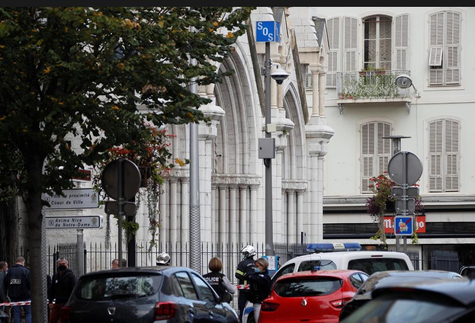 საფრანგეთის ქალაქ ნიცაში დანით შეიარაღებული პირის თავდასხმის შედეგად სამი ადამიანი დაიღუპა