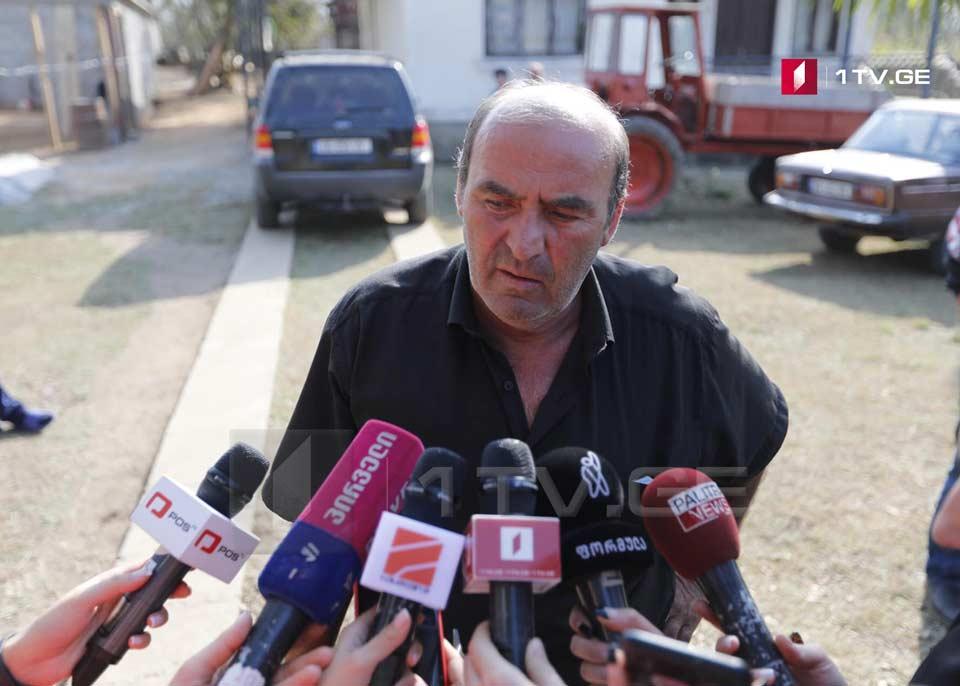 ტარიელ ესებუა აცხადებს, რომ დღეს დაკავებულ მის შვილს იარაღი არ ჰქონია