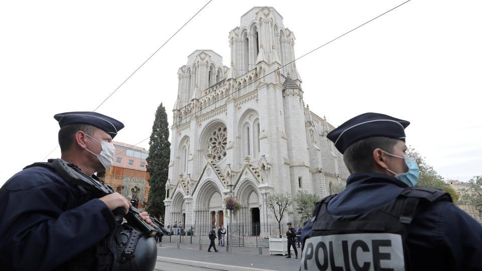 """""""როიტერი"""" - თავდამსხმელი, რომელმაც ქალაქ ნიცაში სამი ადამიანი მოკლა, საფრანგეთში იტალიიდან ჩავიდა"""