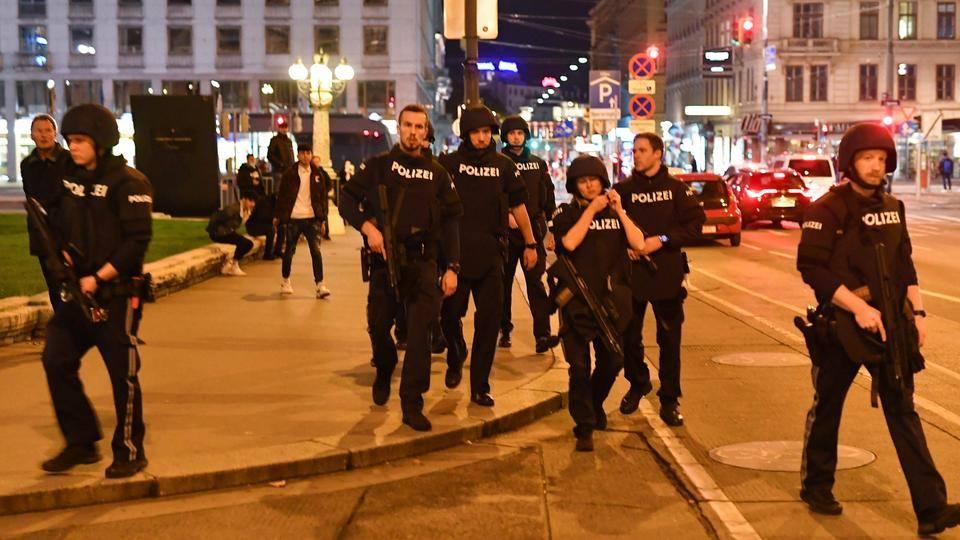 В результате теракта в Австрии погиб еще один мирный житель