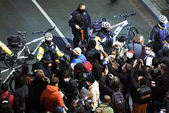 თეთრ სახლთან ანტირასისტული მოძრაობის აქტივისტებსა და პოლიციას შორის დაპირისპირება მოხდა