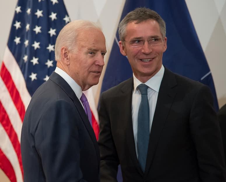 იენს სტოლტენბერგი ჯო ბაიდენს საპრეზიდენტო არჩევნებში გამარჯვებას ულოცავს
