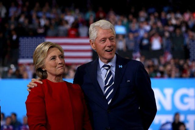 ბილ და ჰილარი კლინტონები ჯო ბაიდენს აშშ-ის საპრეზიდენტო არჩევნებში გამარჯვებას ულოცავენ