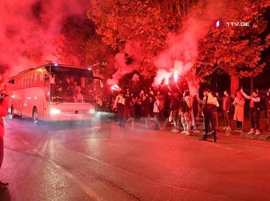 Fans cheer Georgianational football team before game against Armenia (PHOTO/VIDEO)