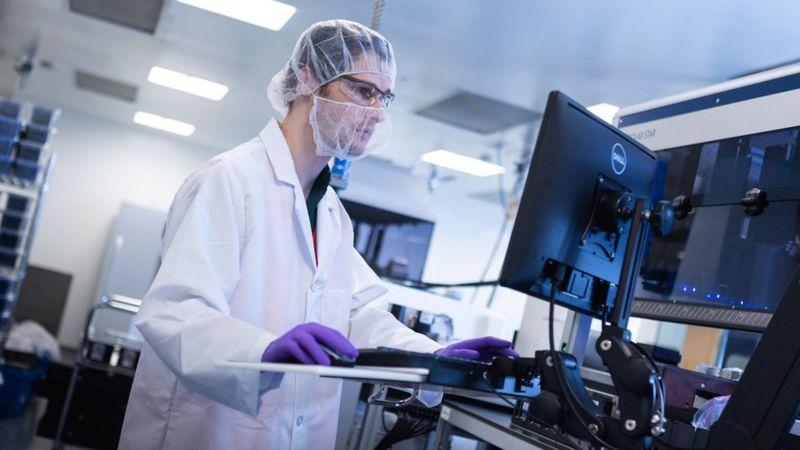 """ამერიკულ კომპანია """"მოდერნაში"""" აცხადებენ, რომ მათ მიერ წარმოებული კორონავირუსის საწინააღმდეგო ვაქცინა 95 პროცენტით ეფექტურია"""