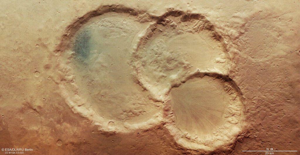 სამმაგი კრატერი მარსზე, რომლის წარმოშობის ამბავიც ამ დრომდე გაურკვეველია — #1tvმეცნიერება