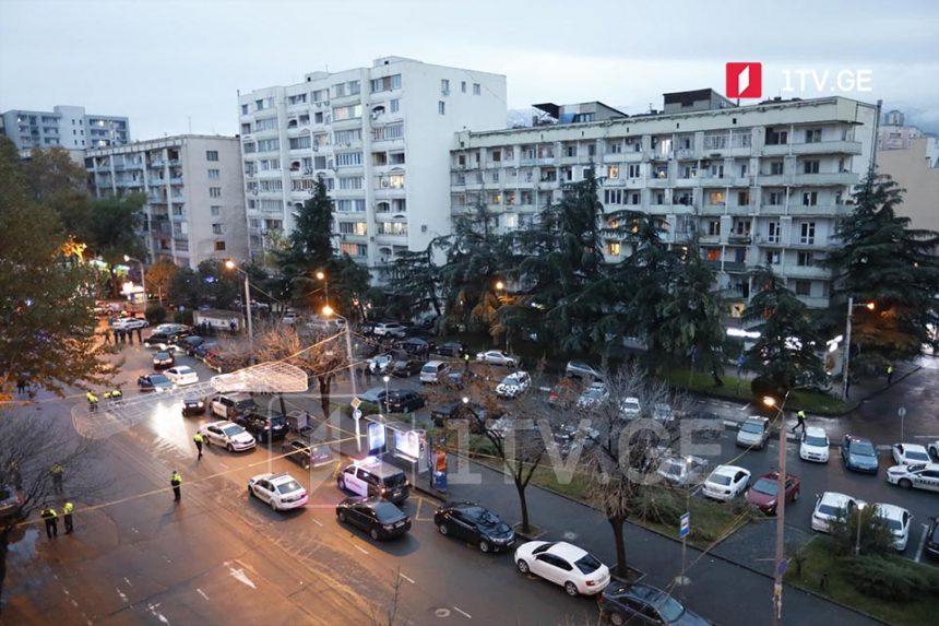 """Sereteli prospektində yerləşən """"MBC""""-nin filialında beş girov qalır"""