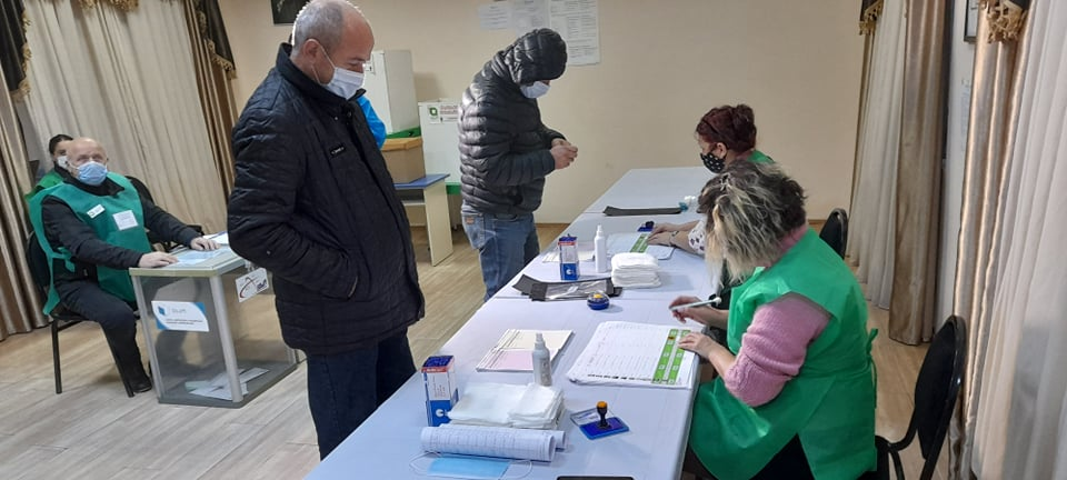 ЦИК Грузии - Явка избирателей на 15:00 составила 16,47 процента