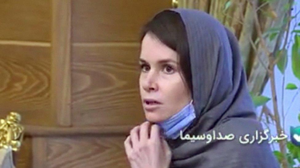 ირანმა ჯაშუშობის ბრალდებით დაკავებული ავსტრალიელი მეცნიერი სამ ირანელ პატიმარში გაცვალა