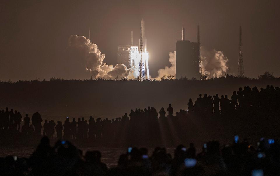 ჩინეთმა მთვარეზე ხომალდი გაუშვა, რომელიც დედამიწაზე ქანების ნიმუშებს ჩამოიტანს — #1tvმეცნიერება