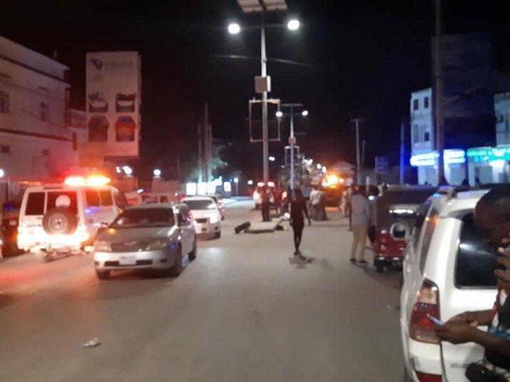 სომალის დედაქალაქ მოგადიშოში ტერორისტმა კაფეში თავი აიფეთქა