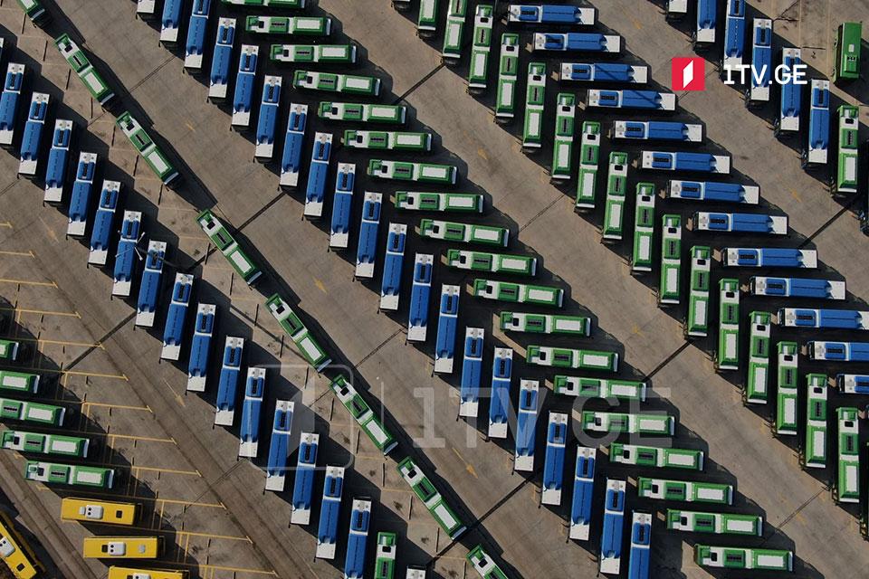 Վրաստանում այսօր դադարեցվել է մունիցիպալ տրանսպորտի, այդ թվում՝ ավտոբուսների աշխատանքը (ֆոտոշարք)