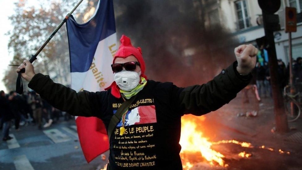 პარიზში, უსაფრთხოების შესახებ ახალი კანონპროექტის მოწინააღმდეგეთა აქციაზე დაპირისპირება მოხდა