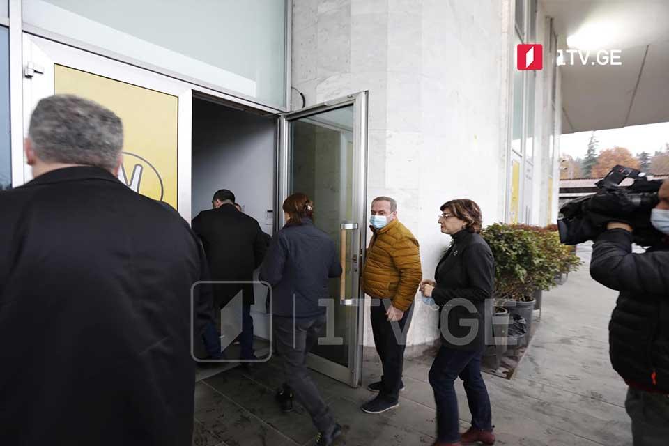 По информации грузинской оппозиции, третий раунд переговоров с правящей партией, предположительно, состоится завтра