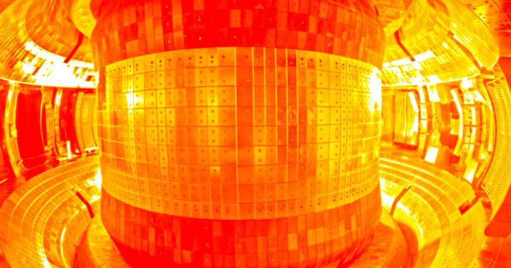 """ჩინეთმა ბირთვული სინთეზის რეაქტორი """"ხელოვნური მზე"""" ჩართო — #1tvმეცნიერება"""
