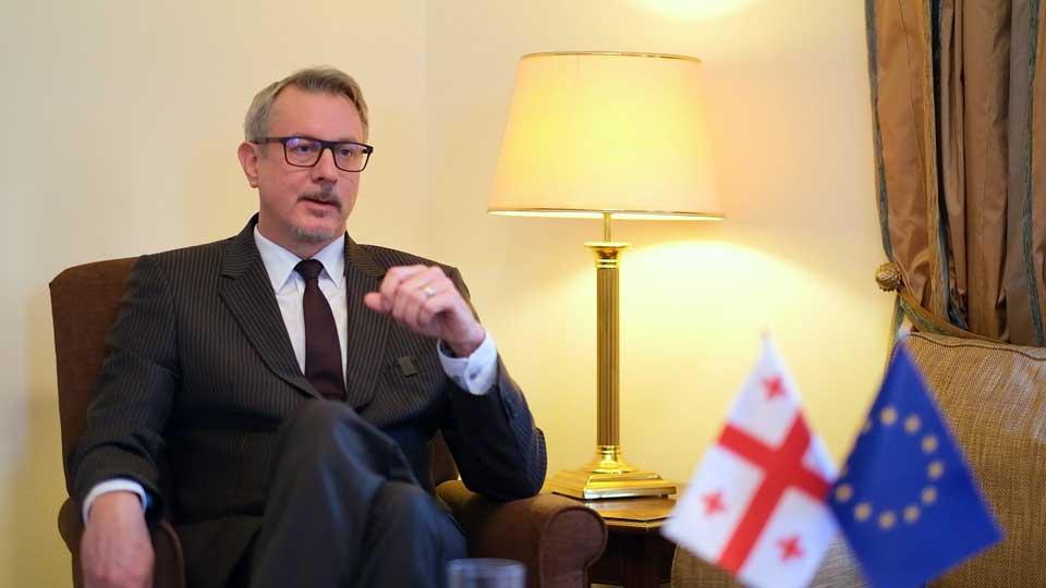 Карл Харцель о поддержке Евросоюзом Грузии в борьбе с Covid-19