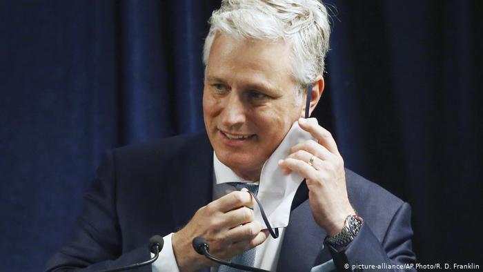 რუსეთის მიერ განხორციელებული ჰაკერული თავდასხმის გამო, აშშ-ის პრეზიდენტის მრჩეველმა, რობერტ ობრაიენმა ევროპული ტურნე შეწყვიტა