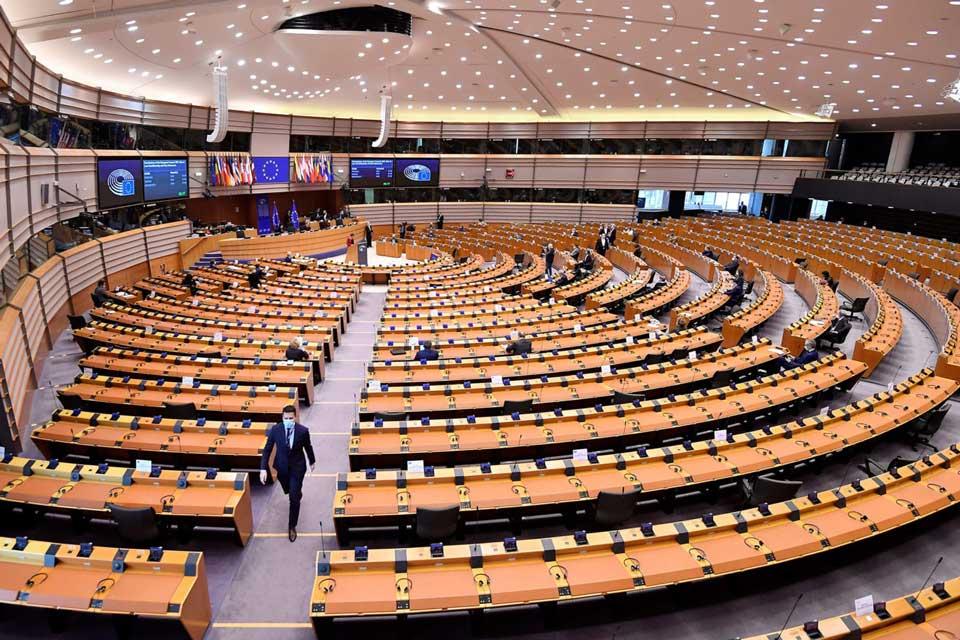 ევროპარლამენტმა ევროკავშირის 2021-2027 წლების ბიუჯეტი დაამტკიცა
