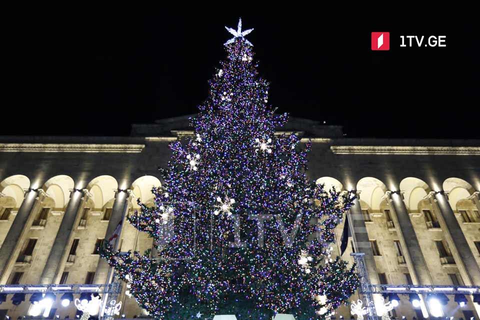 400 тысяч лари выделят мэрии Тбилиси для участия представителей сферы культуры в новогодних мероприятиях