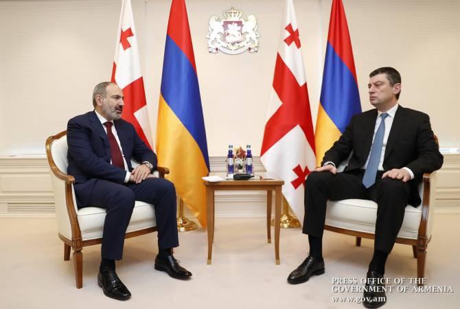 Премьер-министр Армении поздравляет Георгия Гахария с переизбранием на пост главы правительства