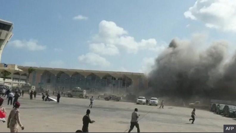 იემენში, საპორტო ქალაქ ადენის აეროპორტში აფეთქების შედეგად სულ მცირე ათი ადამიანი დაიღუპა