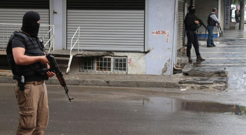 """თურქეთში პოლიციამ """"ისლამურ სახელმწიფოსთან"""" კავშირში ეჭვმიტანილები დააკავა"""
