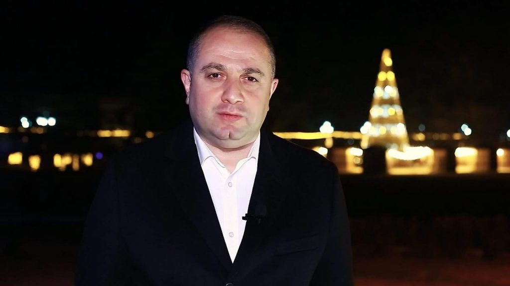 ირაკლი ჩიქოვანი საახალწლო მიმართვაში ექიმებს, პოლიციელებს, ჯარისკაცებს და ყველა იმ ადამიანს, ვინც პანდემიასთან ბრძოლაში ჩართული იყო, მადლობას უხდის