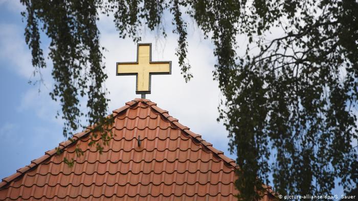რეგულაციების დარღვევის გამო, გერმანიაში პოლიციამ ეკლესიაში შეკრებილი მორწმუნეები დააჯარიმა