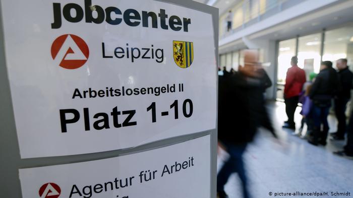 """""""დოიჩე ველეს"""" ინფორმაციით, გერმანიაში 2013 წლის შემდეგ უმუშევრობის დონე პირველად გაიზარდა"""