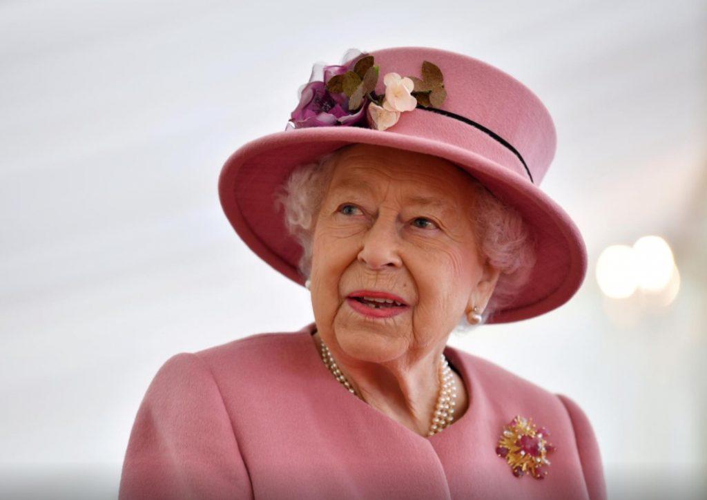 დიდი ბრიტანეთის დედოფალმა, ელისაბედ მეორემ და მისმა მეუღლემ კორონავირუსის საწინააღმდეგო ვაქცინაცია ჩაიტარეს
