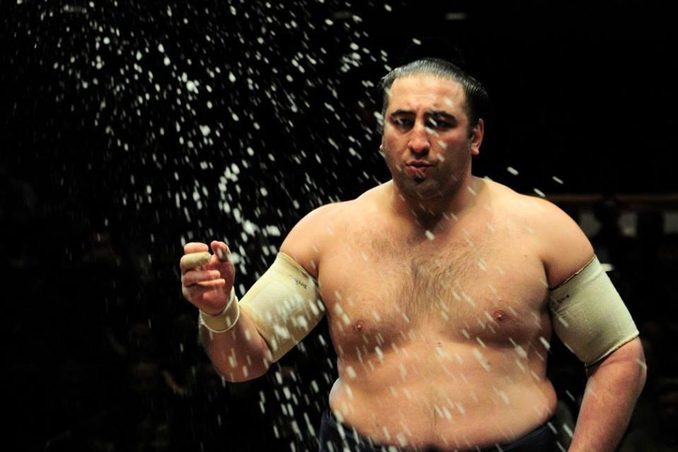 Тотиносин начал Нацу басё с победы над Котоэко (видео) #1TVSPORT