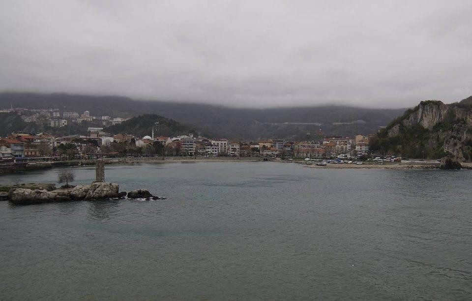 Qara Dənizdə, Türkiyə sahili yaxınlığında rus yük gəmisi batdı