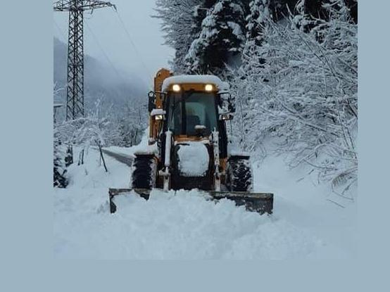 ხულოს მუნიციპალიტეტში თოვლის საფარისგან გზების გაწმენდა მიმდინარეობს