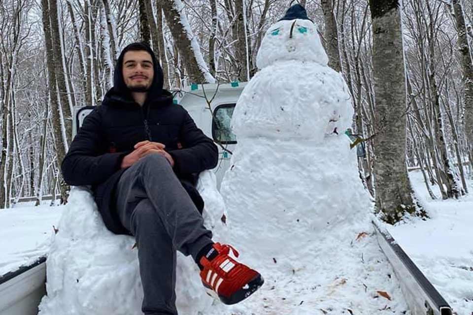 პიკის საათი - თოვლის ბაბუა საბადურის ტყიდან