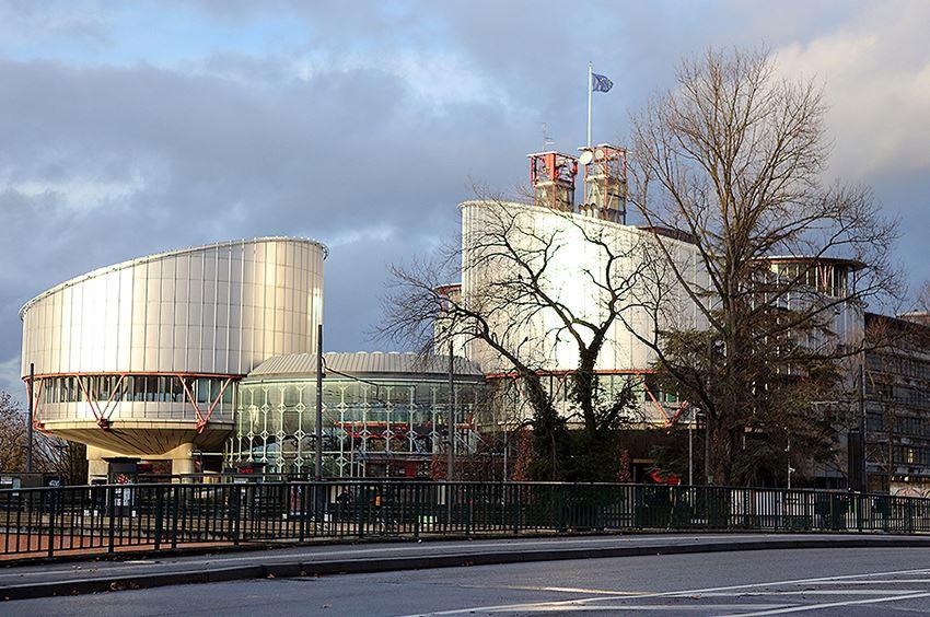 სტრასბურგის სასამართლომ 2005-2008 წლებში მომხდარ ფაქტებზე პირადი და ოჯახური ცხოვრების დაცულობის უფლების დარღვევა დაადგინა