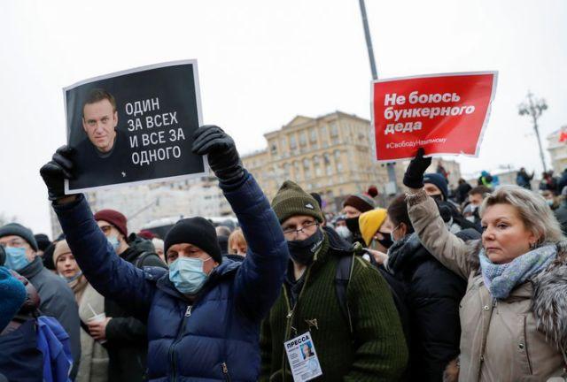 Reuters - В Москве 40 тысяч человек потребовали освобождения Алексея Навального