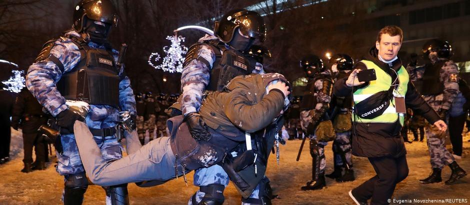 Ռուս իրավապահները Ալեքսեյ Նավալնիին աջակցող ցույցին, ողջ երկրի տարածքում ձերբակալել են ավելի քան երեք հազար մարդու