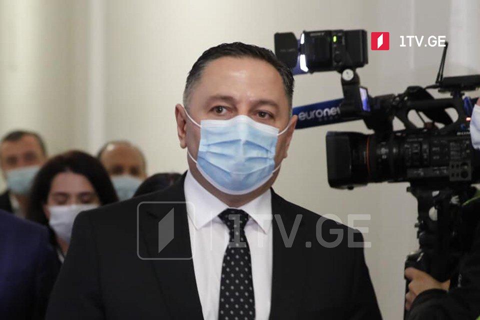 შს მინისტრი ვახტანგ გომელაური ხვალ კორონავირუსის საწინააღმდეგო ვაქცინით აიცრება