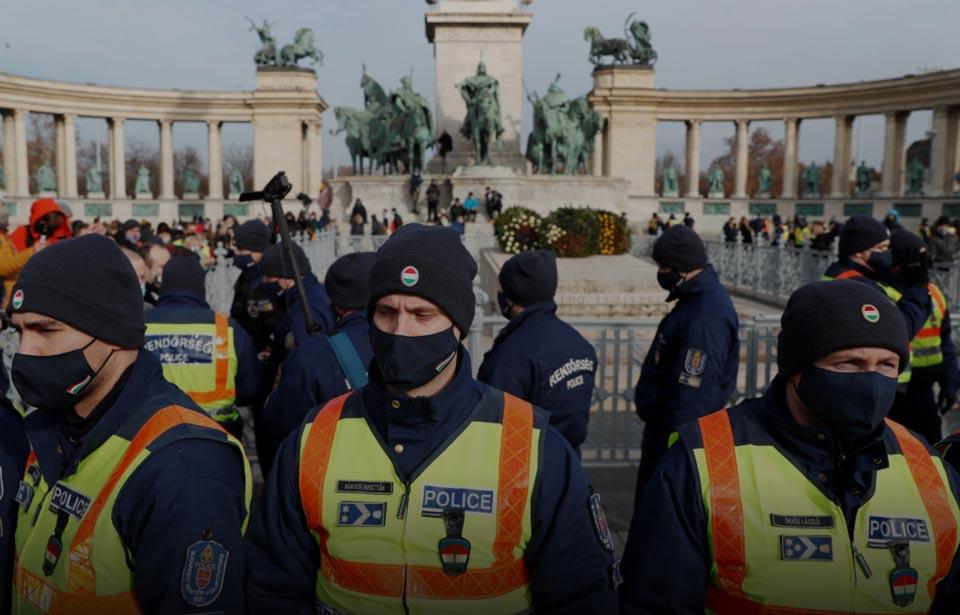 Macarıstan paytaxtında lokdauna qarşı çıxanların aksiyası keçirildi