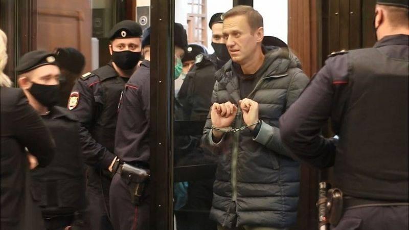 Մոսկվայի քաղաքային դատարանը «Իվ Ռոշեյի» գործով Ալեքսեյ Նավալնիի պայմանական պատիժը փոխել է բանտարկությամբ