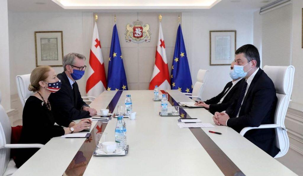 Георгий Гахария обратился за помощью к послам США и ЕС для освобождения незаконно задержанного Зазы Гахеладзе и других граждан Грузии
