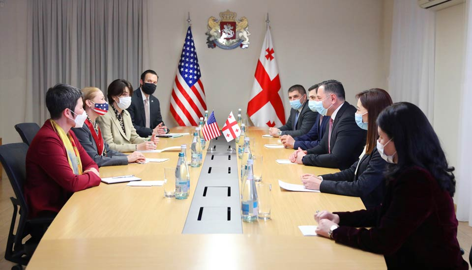 Minister of Internal Affairs meets US Ambassador