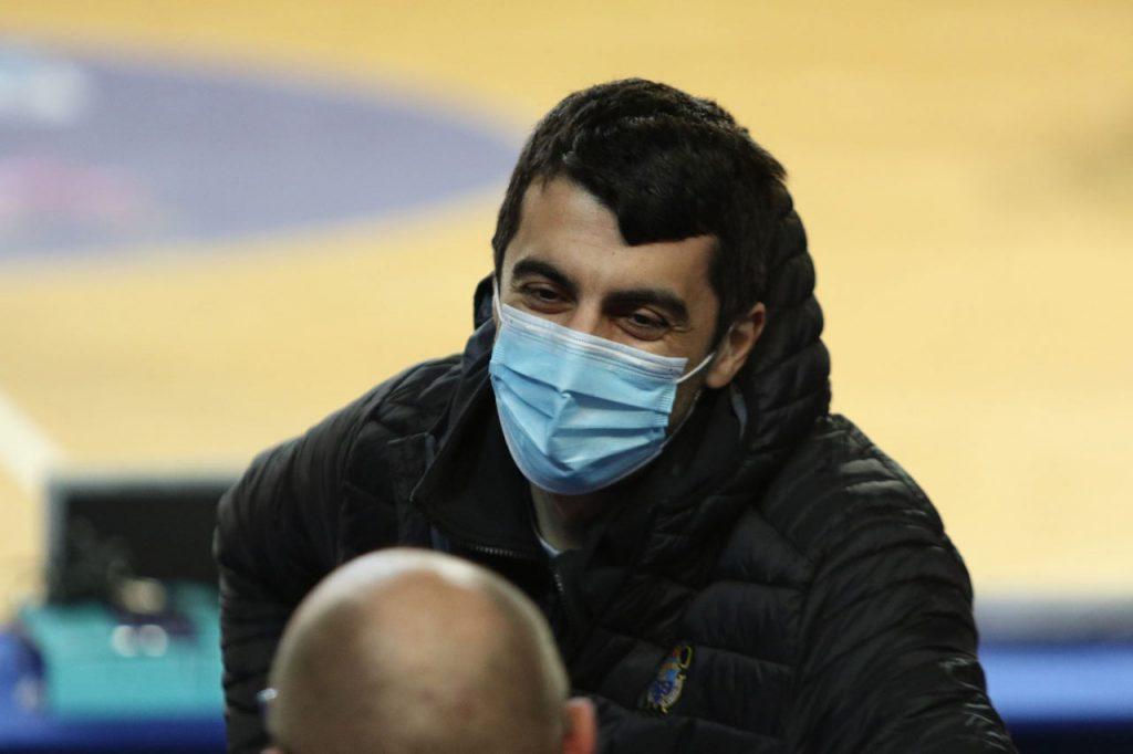 Прибывшего на матчи Лиги чемпионов Георгия Шермадини не пускают в Россию #1TVSPORT