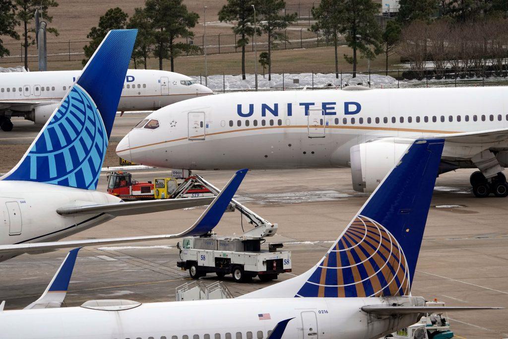 აშშ-ში შტორმის გამო 2 300-ზე მეტი ფრენა გაუქმდა