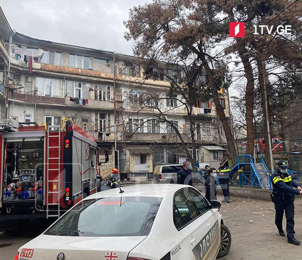 თბილისში, საცხოვრებელი კორპუსის სახურავზე ხანძარი გაჩნდა