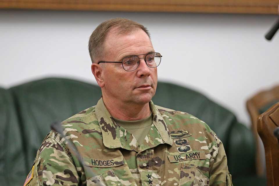 General Ben Hoces bəyan edir ki, Nika Meliyanın yaxalanması Gürcüstan üçün geriyə atılmış addımdır