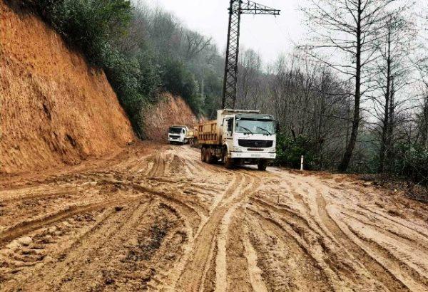 ოზურგეთი-შემოქმედი-ბჟუჟჰესი-გომისმთის საავტომობილო გზის რეაბილიტაცია მიმდინარეობს